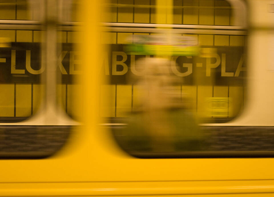 Berlin U-Bahn taking off